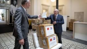 Partnerstad Jiangyou schenkt Valkenburg 40.000 mondkapjes