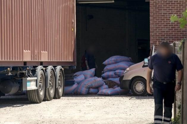 Politie vindt 1200 kilo cocaïne in loods Hasselt
