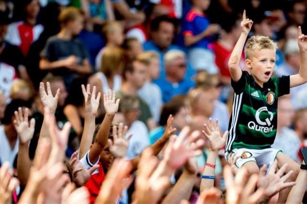 Rutte bevestigt: Fans weer welkom in voetbalstadions, maar wel op anderhalve meter