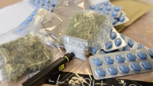 Douane in Keulen onderschept ruim 11.000 enveloppen met Nederlandse drugs
