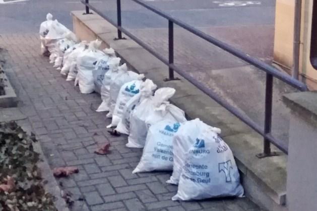 Te kleine vuilniszakken verkocht in Valkenburg