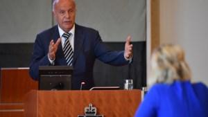 FvD-gedeputeerde Burlet krijgt 'dikke vette gele kaart'