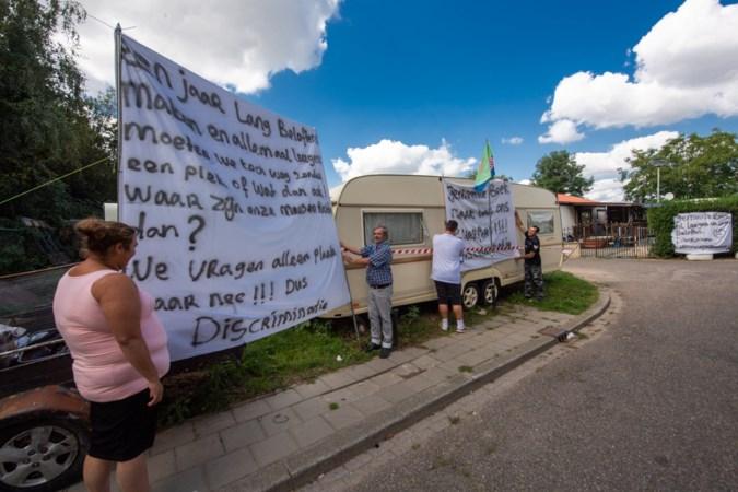 Woonwagenbewoners Spaubeek mogen blijven protesteren van de rechter