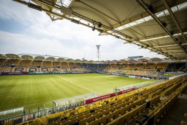 Clubs uit betaalde voetbal oefenen in augustus bijna dagelijks