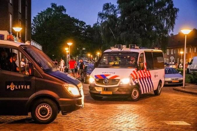 Politie controleert in Eindhoven en voorkomt rellen: toch 21 aanhoudingen