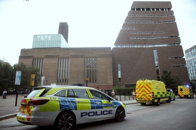 15 jaar cel voor tiener die jongetje opzettelijk van tiende verdieping museum gooide