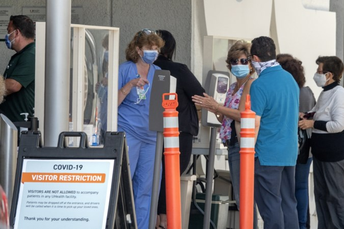 VS betalen prijs voor te snelle opening tijdens coronapandemie