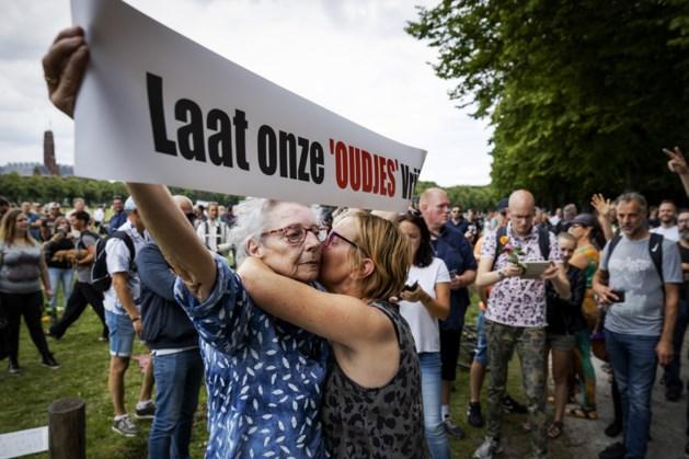 Viruswaanzin mag niet demonstreren in Den Haag