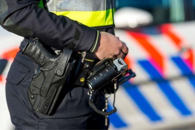 Politie maakt wapengebruik inzichtelijk: agenten vorig jaar betrokken bij 14.507 geweldsincidenten