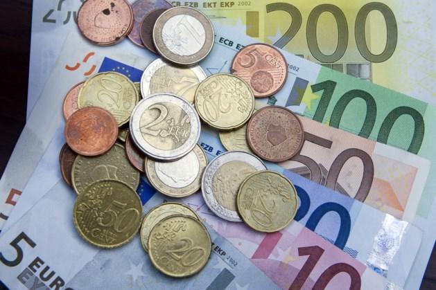 Sterke stijging aan spaargeld in mei door coronacrisis