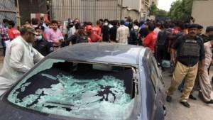 Doden en gewonden bij aanval op handelsbeurs Pakistaanse stad Karachi