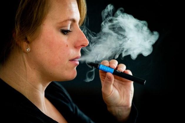 Vanaf woensdag verbod op e-sigaretten in cafés en restaurants: 'Het werd hoog tijd'