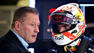 Verstappen voor eerst zonder vader of manager bij Grand Prix
