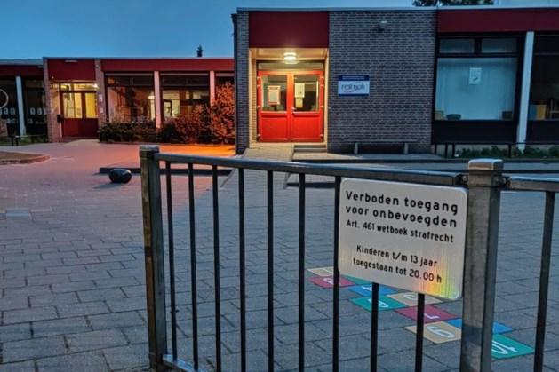 Politie maakt einde aan mogelijke drugsdeal op plein basisschool