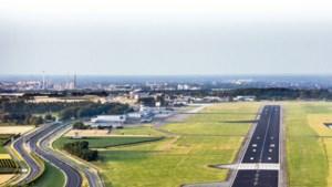Omwonenden van Maastricht Aachen Airport meten zelf geluidsniveaus rond vliegveld