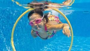 Leergeld betaalt zwemlessen voor kind uit gezin met laag inkomen