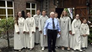 Pastoor Henk Zengers (85) van Mheer en Sint-Geertruid verrast parochianen met vertrek