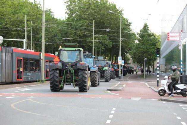 Eerste boze boeren komen aan bij Binnenhof in Den Haag