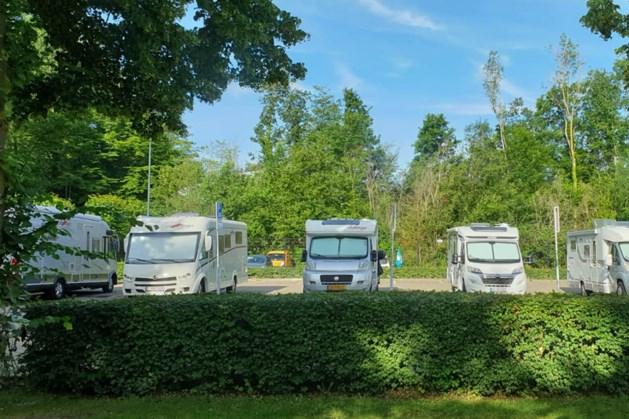 Camperplaatsen bij Kasteel Erenstein blijven