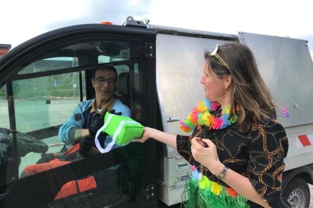 Cadeautjes drive-in voor medewerkers Westrom
