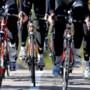 Wielericoon Merckx schiet na minuut stilte eerste wielerkoers sinds corona in gang