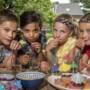 Limburgse kids testen 14 soorten 'verantwoorde' ranja: 'Getsie, deze lijkt wel afwasmiddel'