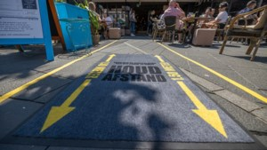 Gemeente Heerlen doet aangifte wegens verwijdering van stickers anderhalvemeterafstand