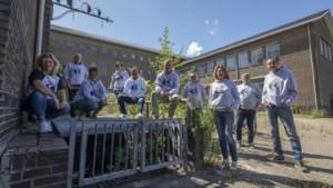 Truien en T-shirts met Coco-logo roepen herinneringen aan Heerlens Coriovallum College weer op
