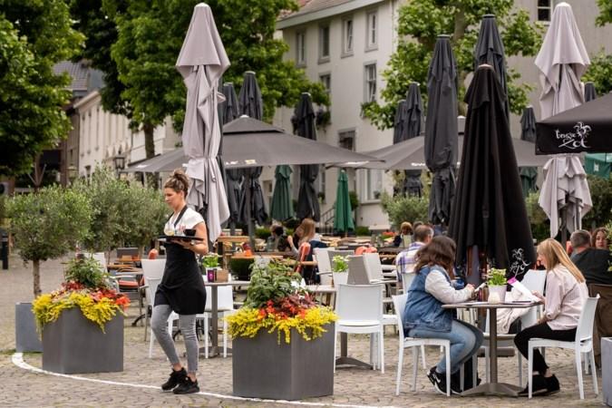 Nieuwe inrichting met terrassen op autoluwe Markt in Meerssen smaakt naar meer