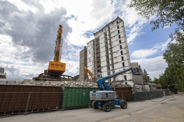 Sloop toren van zorgcentrum Douvenrade bijna voltooid