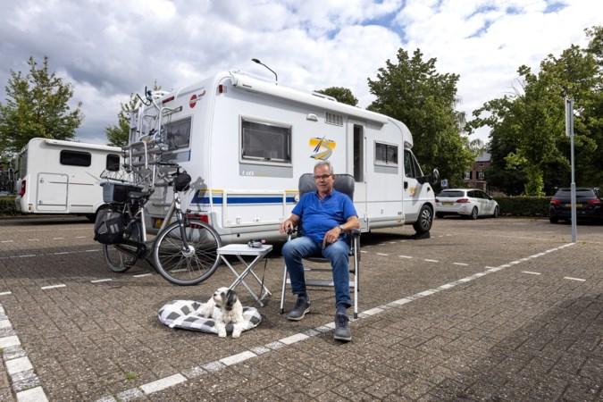Camperaars tevreden met hun eenvoudig stekje in Kerkrade: 'Waar sta je pal tegenover een kasteel?'