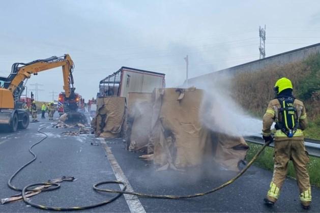 Roer- en Swalmentunnel urenlang dicht vanwege brandende vrachtwagen