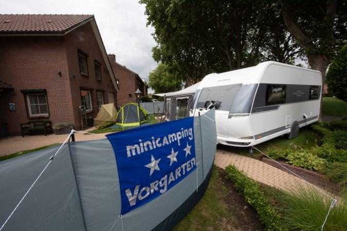 Kamperen in de eigen Vorgarten; woning is twee weken, op sanitair na, verboden terrein