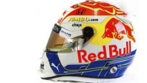 Max Verstappen in Steiermark met rood-wit-blauwe helm