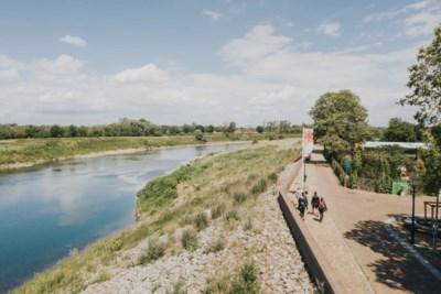 Nieuwe wandelroute van 136,4 kilometer door Rivierpark Maasvallei van Heel naar Maastricht