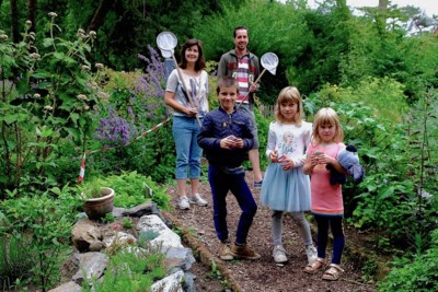 Natuurlijk avontuur voor kinderen in Weert: Op pad met een bijenfluisteraar, earthship bouwen en waterdiertjes scheppen