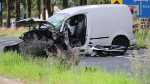 Meerdere gewonden bij ernstig auto-ongeval op N275
