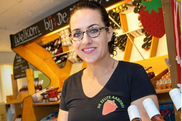 Recept: Een verrukkelijke roze vitamineboost met aardbeien uit Limburg
