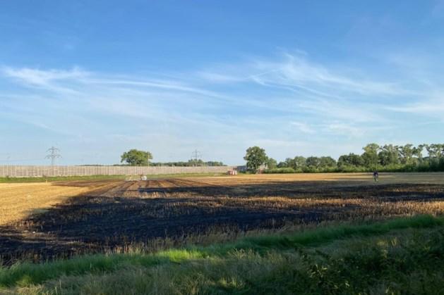 Brandweer rukt massaal uit voor buitenbrand langs A2