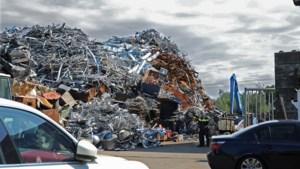 Oude munitie en mortieren gevonden bij doorzoeking recyclingbedrijf, terrein blijft afgesloten