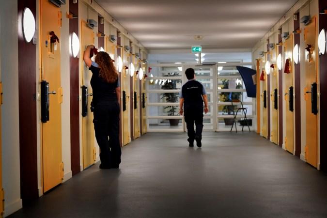 Pilot vrouwengevangenis Ter Peel: moeders mogen hun kinderen weer aanraken