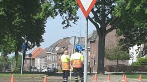 Ergens in Venlo: 'Kale' en 'Petje' werken  met handen in de zakken