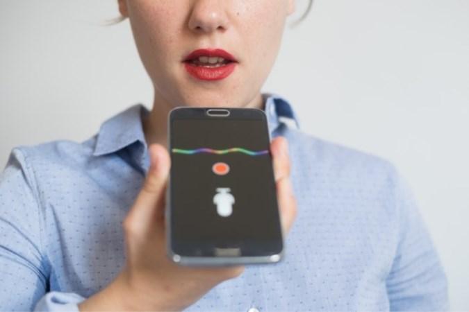 'Hey smartphone, heb ik corona?': Je kan de ziekte zelfs hóren, blijkt uit onderzoek