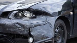 Automobilist veroorzaakt meerdere ongevallen op A76 en A2