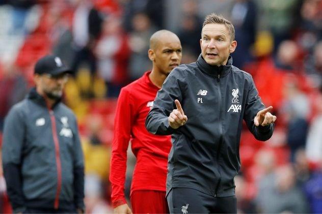 Lijnders na succesjaar Liverpool: 'We willen niet onze titel verdedigen, maar de volgende aanvallen'