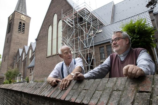 Dik 200 handtekeningen om pastoor Dieteren in Leudal te houden: 'Kans van slagen is nihil'