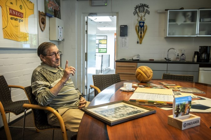 Huub is als enige vanaf de eerste dag lid van 75-jarige voetbalclub Weltania