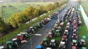 Boeren woedend om tractorverbod bij grote protestactie in De Bilt