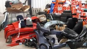 Politie vindt tientallen oldtimer-onderdelen in garagebox