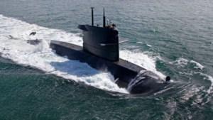 Swaffelende militairen onderzeeboot moeten de cel in